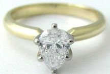 Pear Cut Diamond Engagement Rings / Pear Cut Diamond Engagement Rings