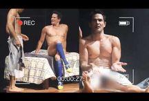 Julio Camejo presume sus encantos ¡semidesnudo y en tacones!