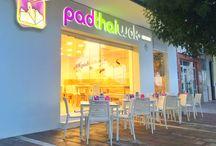 PadThaiWok Estepona / Tel.: 951 899 104 Avda. de España, 74, Bajo. 29680, Estepona, Málaga www.padthaiwok.com  Horario: Abierto Todos los Días de 12:00 a 0:00 hrs. email: estepona@padthaiwok.com  Thai Noodle Bar. Restaurante de Cocina Tailandesa Moderna y Asiática en Estepona.  Thai Noodles Bar. Restaurant of Asian and modern Thai cuisine in Estepona (Málaga - Spain)