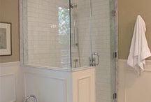 Bathrooms / by Kinsley Hettinga