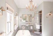 bathrooms / by Davina Zahra