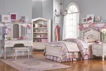 My Little Girls Dream Bedroom / Ideas for decorating a  girls bedroom