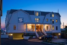 FORTY 1° NORTH / Casual, glamorous, sophisticated and whimsical with a cosmopolitan demeanor.