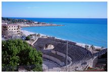 TARRAGONA / Discover Tarragona, strategically located on the shores of the western Mediterranean, offers a great range of posibilitys to the touríst, gastronomie, culture, beach, sun, ...