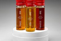 Proyecto aceite Etnic. / Diseño de marca de aceite ETNIC para el cliente JACOLIVA.   Servicios: Nombre, Marca, Papelería, Packaging, Edición, Publicidad, Eventos, Web, Ecommerce, Redes sociales.  www.ipack.barcelona