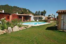 Appartamenti in Sardegna / Skiline propone in vendita appartamenti in Sardegna. Per vivere una vacanza da sogno in un'oasi di pace immersa nella natura