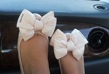 What Pretty Pretty Bows! / by Julie Renfrow