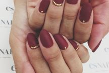 Red nails / by Gaby