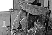 """OBSCUR / """"Obscur""""  Un tabac de qualité supérieure.Aromatique et particulier, son goût est obtenuà partir de feuilles de tabacs. TRANSFORMATION : La transformation des feuilles de ces tabacs, se fait selon le système traditionnel, les feuilles sont pendues dans des séchoirs où elles y restent pendant environ six semaines. EXTRACTION : Les feuilles sont broyées puis pressées afin d'obtenir un extrait naturel."""