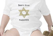 Jewish Passover / Passover Jewish holiday gifts, seder plates and matzoh for the family passover celebrations. Judaica and Jewish presents that celebrate pride in family and religion.