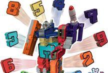 MEGABOT / Dieci numeri 0⃣1️⃣️2️⃣️3️⃣️4️⃣️5️⃣️6️⃣️7️⃣️8️⃣️9️⃣️ che in semplici mosse si trasformano in  fantastici veicoli️️️️ e che uniti formano un Super Megabot!