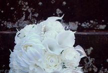 Winter Wedding / A selection of Winter Themed Bouquets, posies and ideas for a Christmas Time Weddings