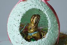 Easter Basket Tutorials / Check out our curated collection of the best DIY Easter Basket tutorials on Pinterest.  Sewing Patterns, No Sew Baskets, Recycled Easter Baskets, and more.