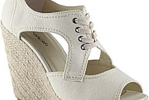 My style shoes / by Niki Ramsey