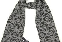Sherlock Holmes Scarf / Here are images of Sherlock wearing a scarf