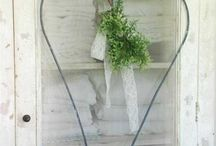 Wedding Heart Flower Ideas / Rustic Wedding flower heart ideas using props that we hire