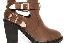 Incaltaminte / Pantofi casual, ghete, botine, cizmulite si multe alte modele de incaltari in tendinte.