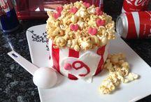 Popcornbox Cake / Kokos-Erdbeeren Kuchen