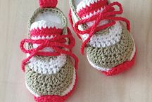 Sapatinhos de tricô e crochê