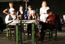 Θέατρο - Ρεμπέτικη Παράσταση / Θέατρο - Ρεμπέτικη Παράσταση στο Δημοτικό θέατρο Βόλου Μελίνα Μερκούρη στο ρεμπέτικο γλωσσικό ιδίωμα. Σενάριο – Σκηνοθεσία: Κυριάκος Κυτούδης