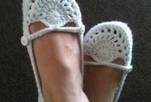 artes em sapato de crochê