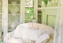 Shabby Chic  / My favorite decorating style is the soft and feminine home decor of Shabby Chic.