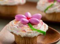 Cupcakes & Muffins / by Carmen Buckalew