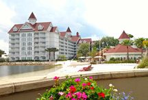 S T A Y Disney / We all have our favorite hotels, here's what I love about staying on property at Disney!