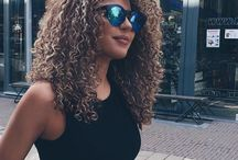 Blond&curly