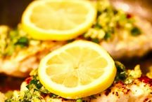 Must Cook Fish and Seafood Recipes / This board contains all the best fish and seafood recipes I can find, whether you are into salmon or turbot, crab or clams there is planty of fishy goodness here!