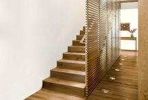 Stiegenlösungen / Weil ein formvollendetes Raumdesign nicht an der Stiege enden soll: Die Ästhetik eines Raums gelangt über die Treppe zu ihrer Vollendung.