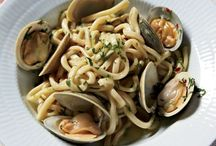 Spaghetti with clams / And these pins also in the Spaghetti and Clams pages of my food blog - CMFoodAnd? #CMFoodAnd #CMItFoodAnd