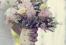 wedding flowers / by Kaleigh Gramley