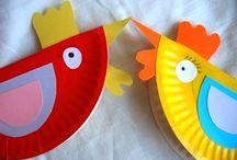 Little Red Hen paper plates