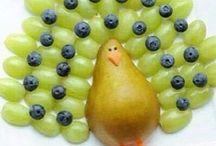 Animal fruit platter