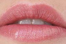 Huulimeikit - Ostolakossa-blogi / Ostolakossa-kosmetiikkablogin huulimeikkituotteisiin liittyvät päivitylset.