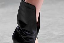 Sandale asimetrice