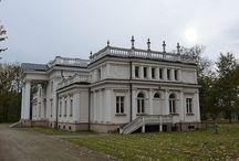 Marchwacz - Pałac / Pałac w Marchwaczu zbudowany w latach 1820-1821 wzorowany dla Bonawentury Niemojewskiego . Był to obiekt w stylu klasycystycznym . Prawdopodobnie w 1905 roku został przebudowany i rozbudowany staraniem Wacława Józefa Niemojewskiego przez architekta Stefana Szyllera . Obiekt jest wzorowany na pałacu łazienkowskim w Warszawie. Obecnie, wyremontowany, pałac wystawiony jest na sprzedaż.