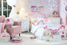 La Fable Adorable | Volta às Aulas / Aquela pitada de aroma francês que transforma o quarto das meninas. http://goo.gl/5ZI1hu