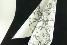 Serviettes de fête / Avec un joli pliage, ces serviettes apporteront élégance et raffinement à votre table.