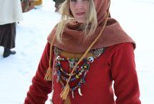 Viking women's clothing