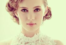 Classic Curls for a 1940s Look Wedding Hairstyle