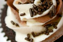 Cupcakes / by Danielle Harrison