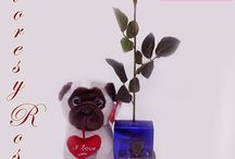 Regalos de San Valentín. Ideas para enamorados / San Valentín es una fecha ideal para sorprender a lo grande a tus seres queridos con los regalos originales de FloresyRosasAD. Encuentra las ideas más alucinantes para regalar. Elige la que más se adapta a tí y llévatelo ;)! Recuerda que todos nuestros productos para regalar llevan envoltorio especial de regalo incluido en el precio.
