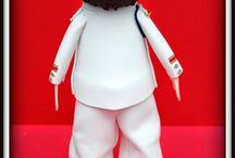 Fofucho Niño de Comunión Martín / El Fofucho que toca hoy se llama Martín. Es un fofucho de comunión con traje y zapatos blancos y chaleco y corbata granates. Esperamos que a su dueño le haya gustado su regalo de comunión. Y a vosotros, ¿os gusta?