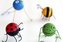 Bug Crafts / Kid Crafts and Activities all About Bugs and Insects. Adorable and Easy Butterfly, Caterpillar, Bee and Ladybug Crafts and Activities.