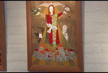 Video's van emaille en vlakglastentoonstellingen / Video's van emaille en vlakglastentoonstellingen o.a. in museum Ravenstein, het vlakglas- en emaillekunst museum. Werk van emailleurs of glazeniers met soms uitleg van kunstenaar zelf. Soms uitleg over de gebruikte technieken.