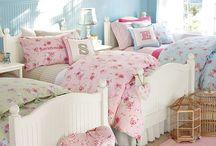 Beds / by Margaret Ham