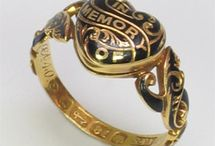 mourning rings and lockets