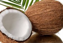 I Heart Coconut Oil / I'm going to start rubbing coconut oil into my wallet because I wouldn't be surprised if it will help it grow money.